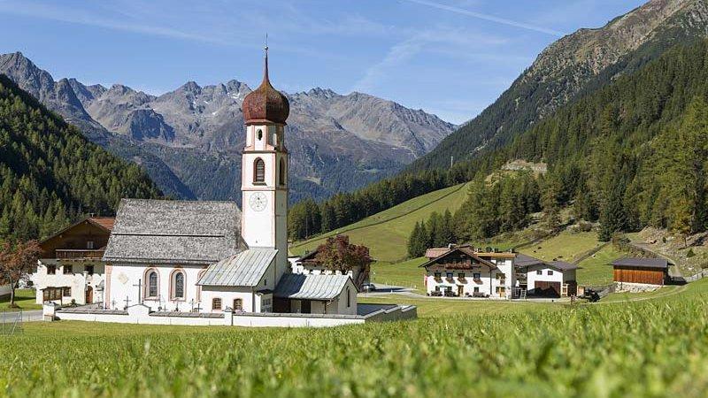 Kirche Maria Hilf Gries © Elias Holzknecht - Naturpark Ötztal